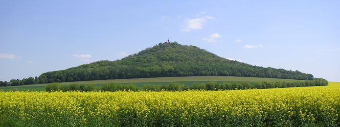 Landeskrone - The local mountain of Görlitz, photo: commons.wikimedia.org/wiki/File:Landeskrone.jpg, licensed by CC BY-SA 3.0